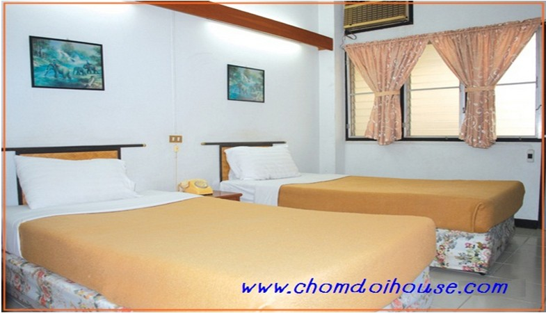 Standard Twin Bed Room with Air Conditioner